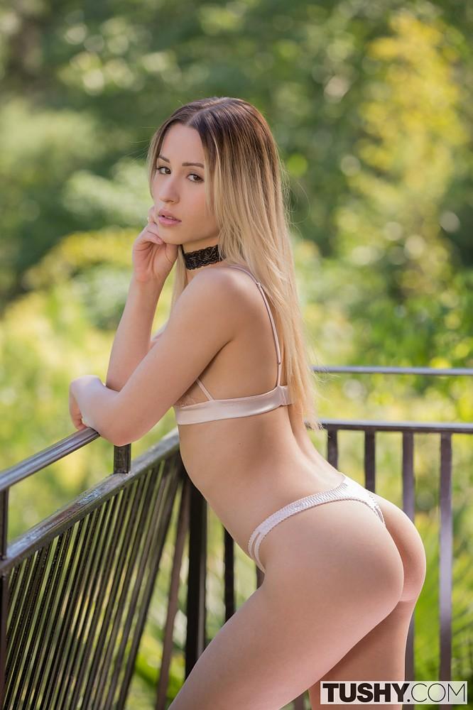 Annabeth gish nude tits