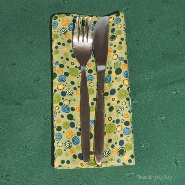 How to make cloth table napkins ~ Tutorial by Threading My Way