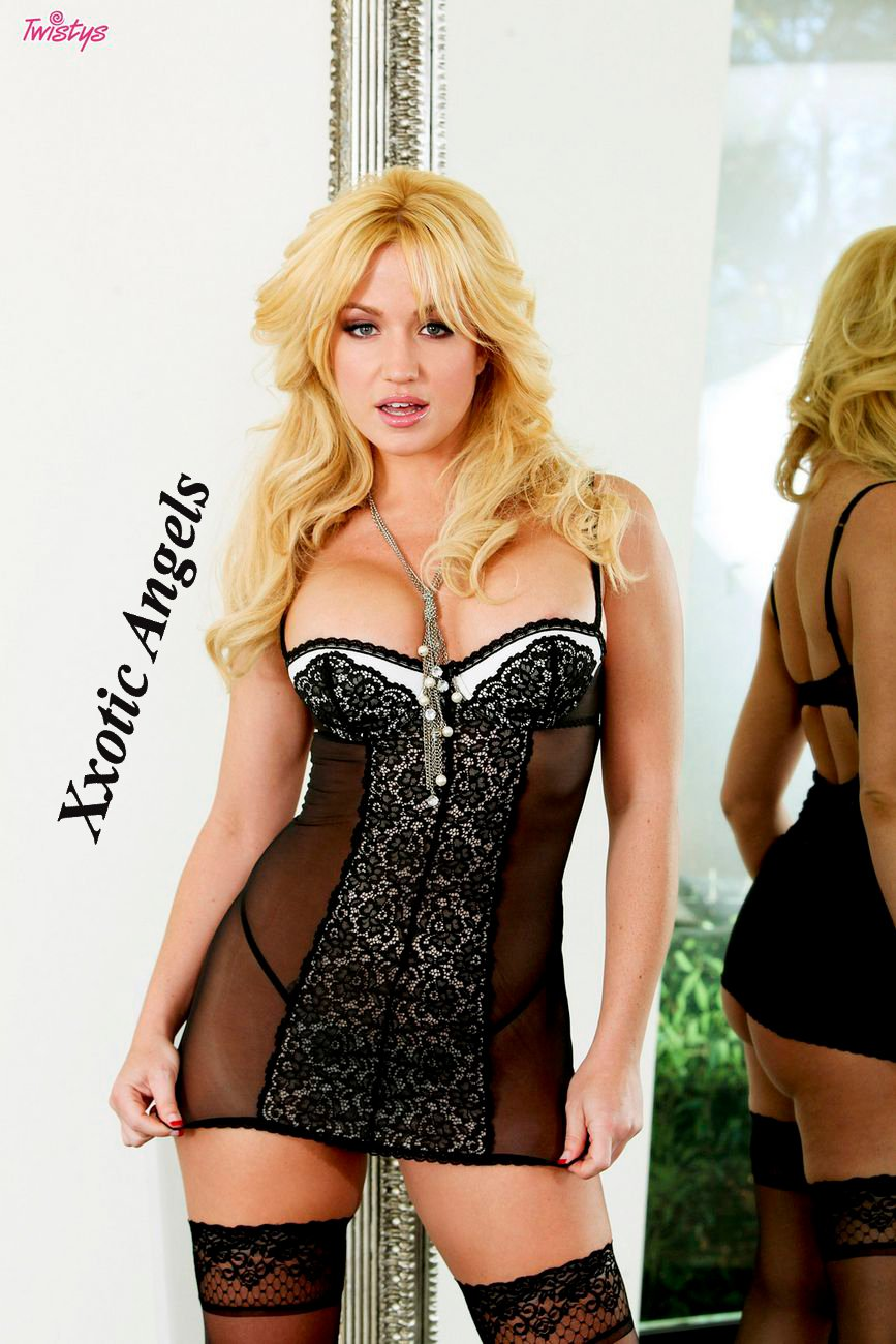 Xxotic Angels: Xxotic Angels Jan. Feature Angela Sommers