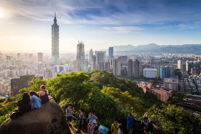 山々に抱かれた台北市は素敵な景色がある  被群山環抱的台北市有著絕佳的美景