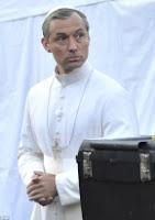 The Young Pope Temporada 1 audio español