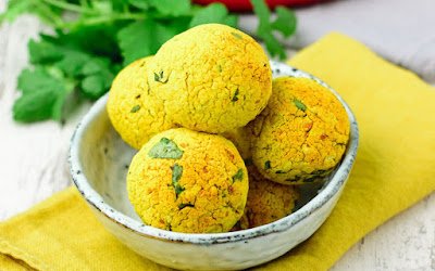 http://www.onegreenplanet.org/vegan-recipe/turmeric-falafel/
