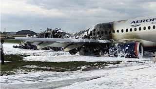 Μόσχα: Βίντεο από τη «βουτιά» του φονικού αεροσκάφους κι από το εσωτερικό του