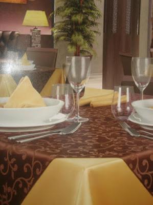 Fete de masa damasc satinat | Fete de masa restaurant Bucuresti.