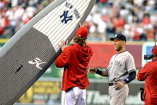 NY yankees jeter retirement SUP gift from LA angels