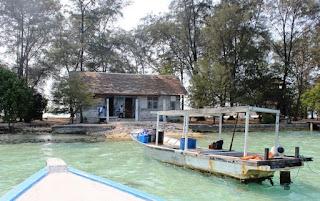 http://www.teluklove.com/2017/04/destinasti-objek-wisata-pulau-karang.html