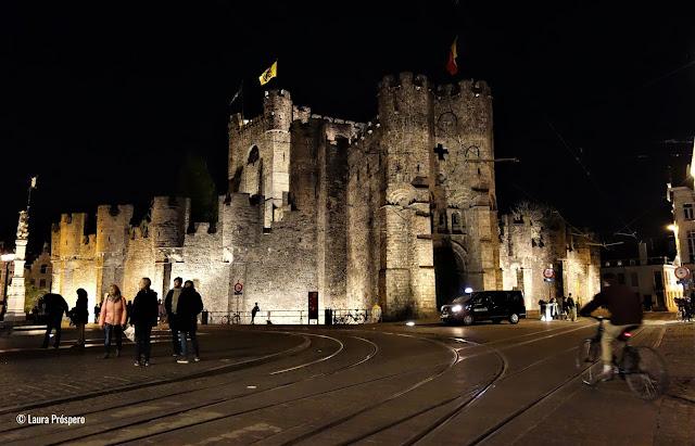Gravensteen / Castelo dos Condes de Flandres: atuêntico castelo medieval do século XII, Gand