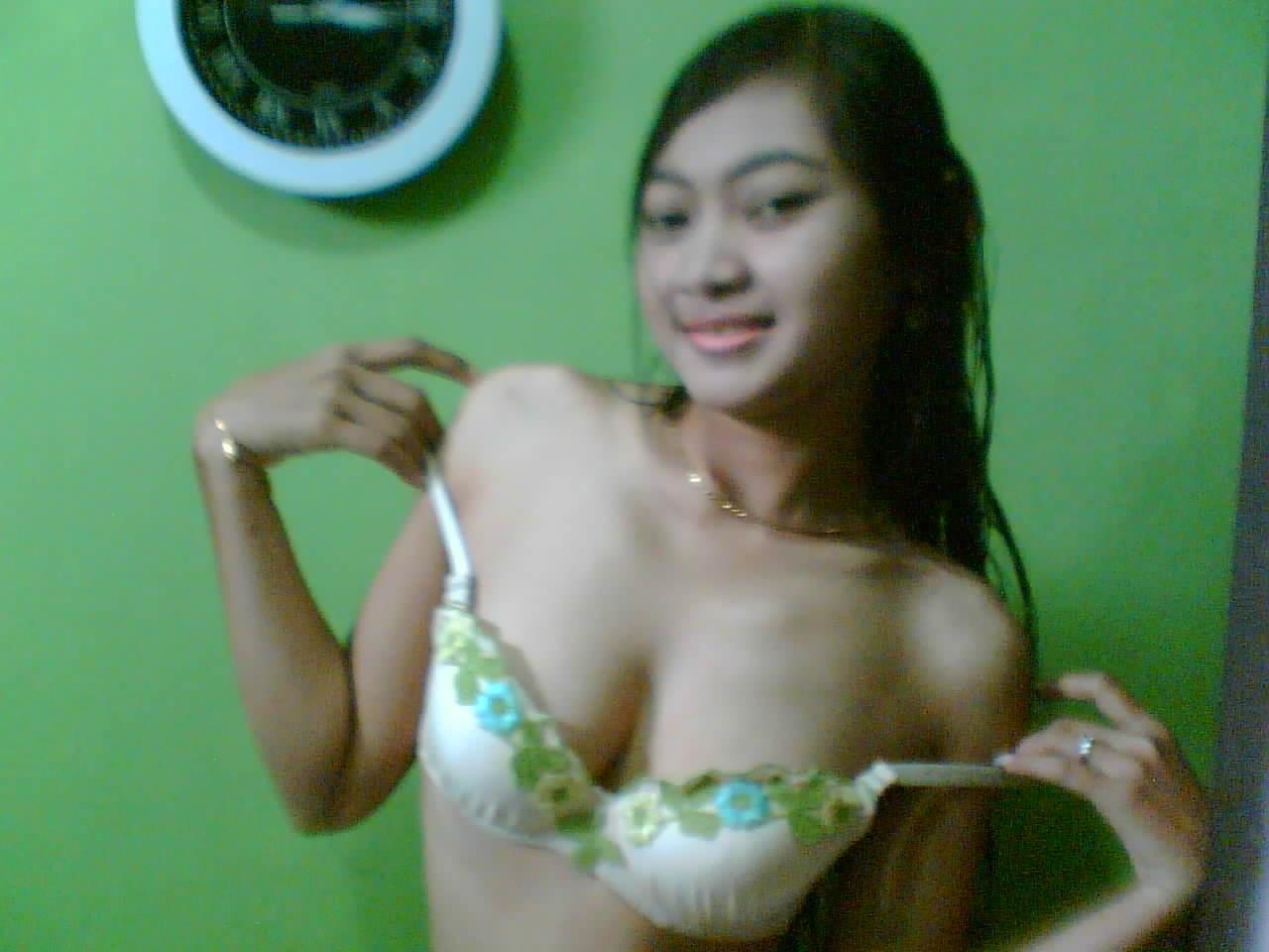 indonesian woman Hot