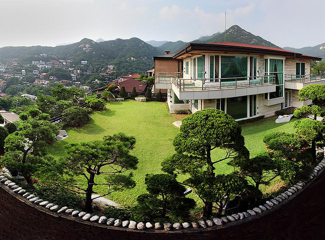 Undiscovered seoul the city 39 s best off the beaten path - Mansions in south korea ...
