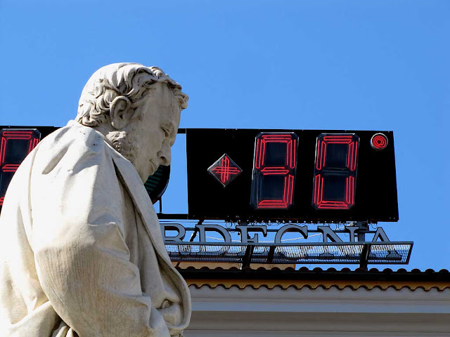 90°C or 203°F in piazza Cavour on Sunday, Livorno