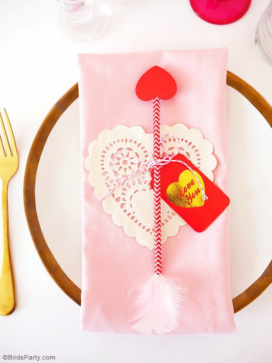 Last Minute Valentine's Day DIY Table Decor | Party Ideas | Party Printables