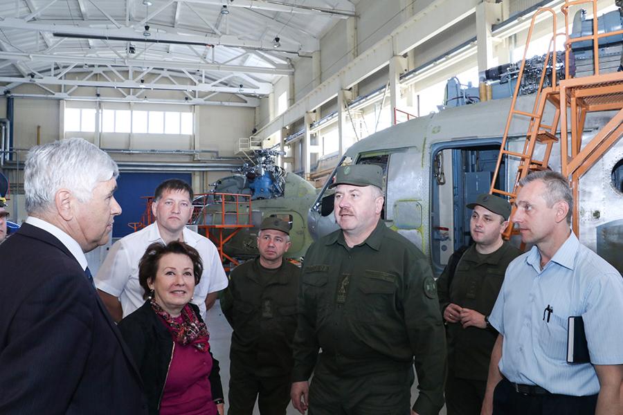 Командувач Національної гвардії України відвідав ПАТ «Мотор Січ» (фоторепортаж)