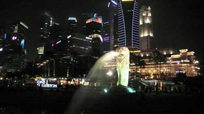 シンガポールNo.1観光スポットのマーライオン