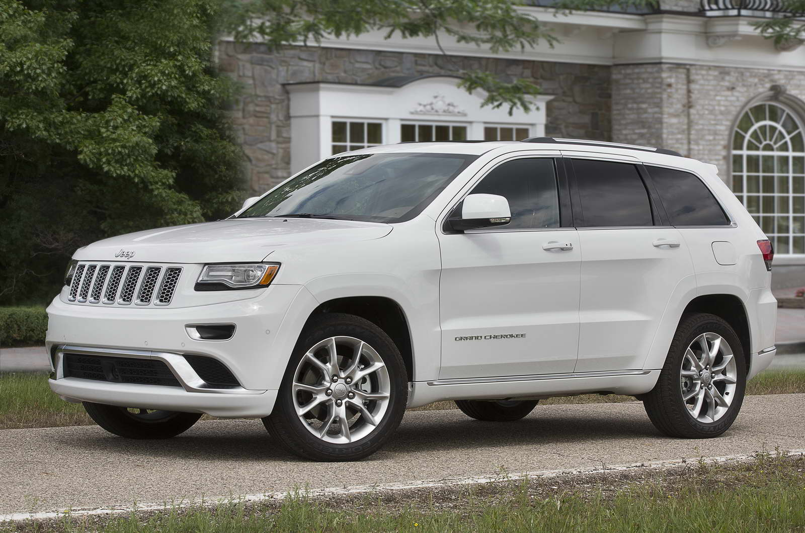 color me dull jeep grand cherokee dodge durango available in just four colors. Black Bedroom Furniture Sets. Home Design Ideas