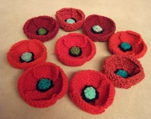 Paulineknit ~ A life of hand knitting : More knitted poppies