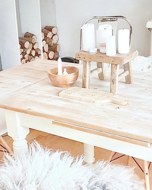 Holztisch weiss