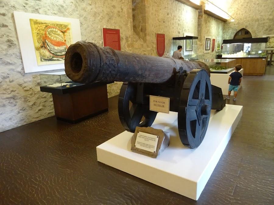 Cañón de hierro del siglo XVI