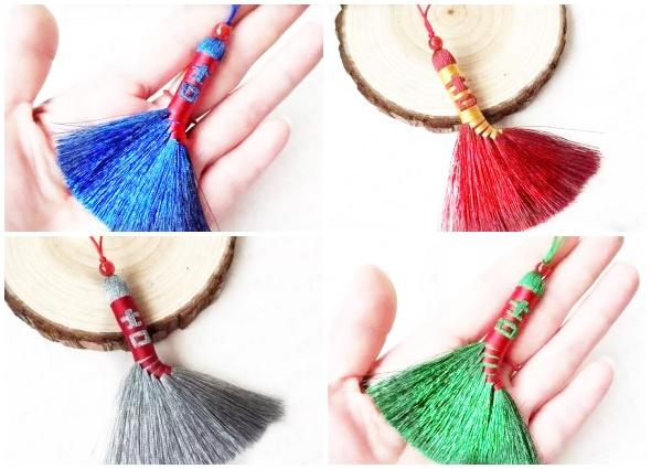 manualidades mágicas, escoba china, colgante amuleto