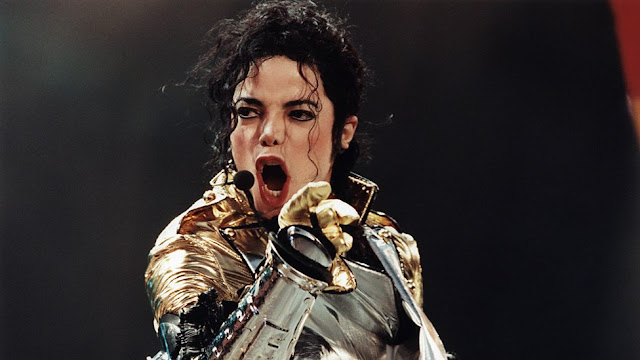 Lirik Lagu Someone In The Dark ~ Michael Jackson