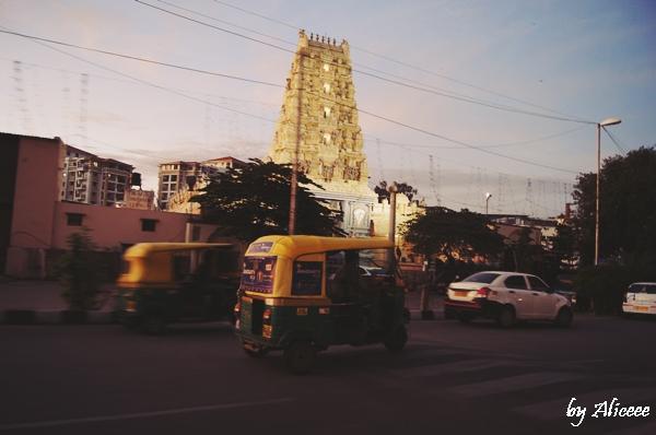 Poza-Bangalore-India-noaptea