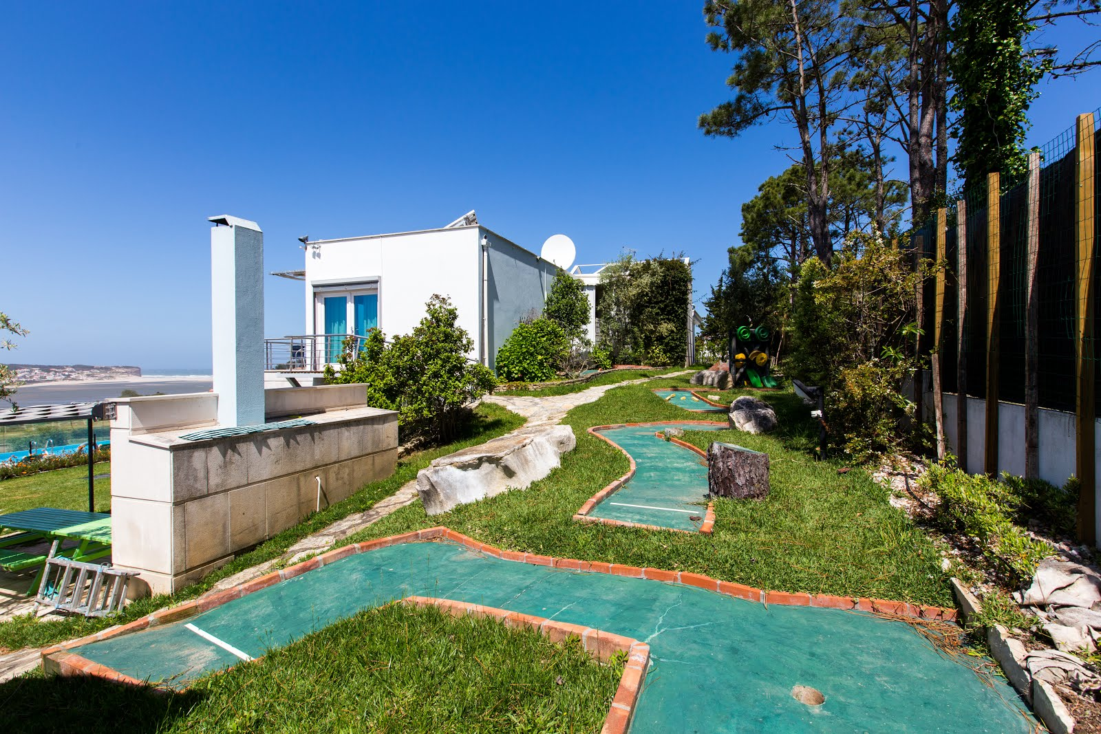 Casa do Lago, family friendly villa