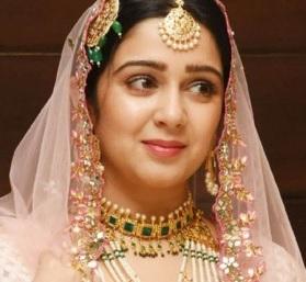 Gorgeous Charmme Kaur Photos