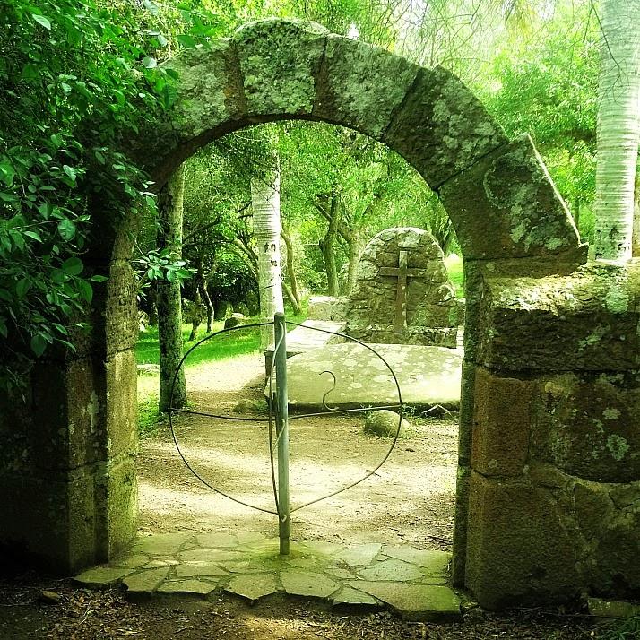 Entrada do Campo Santo no Forte de São Miguel, no Chuy, Uruguai