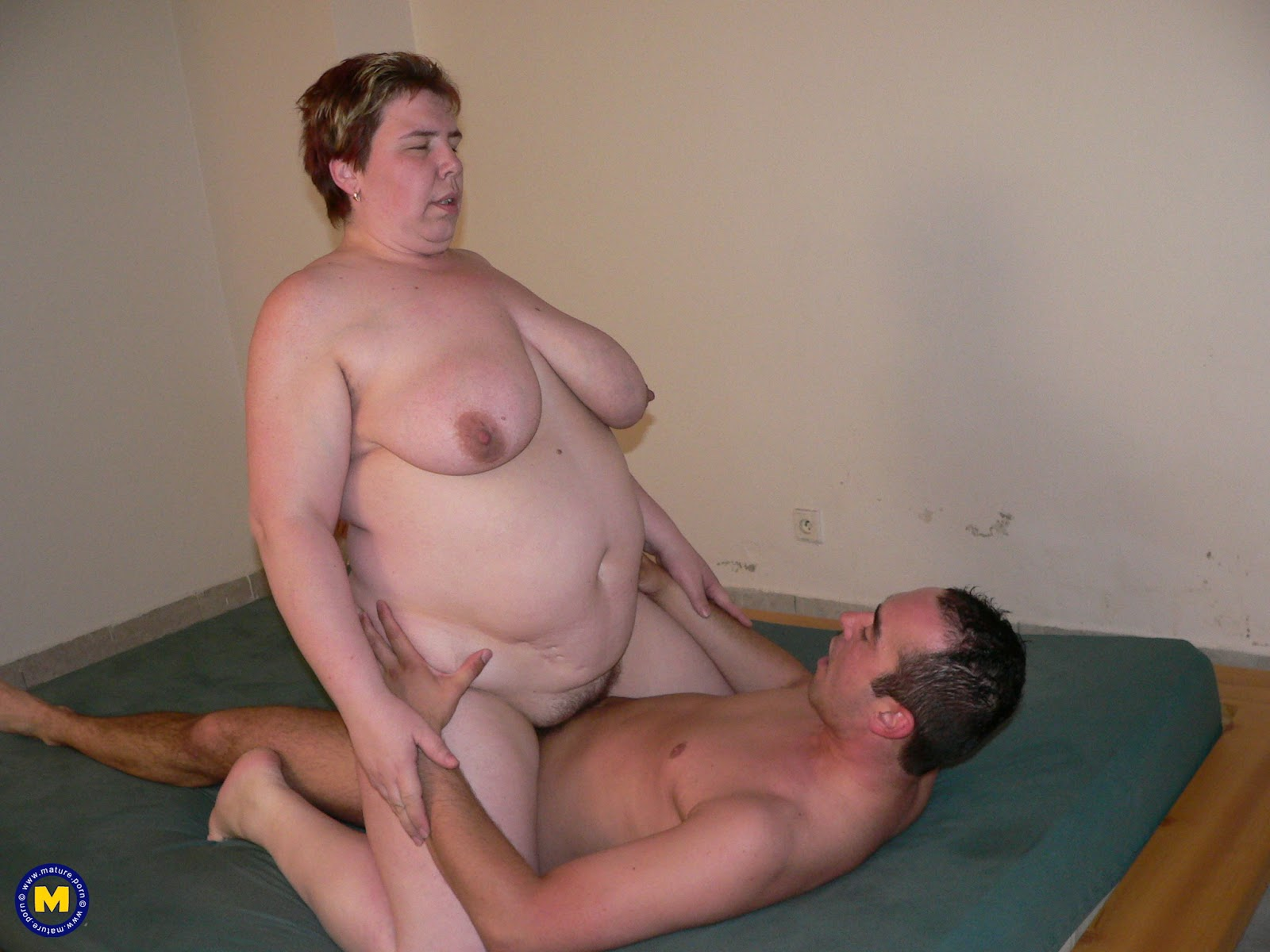 Mature Fat Women On The Toilet
