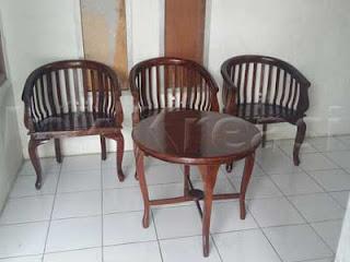 Set-Meja-Betawi-dan-Kursi