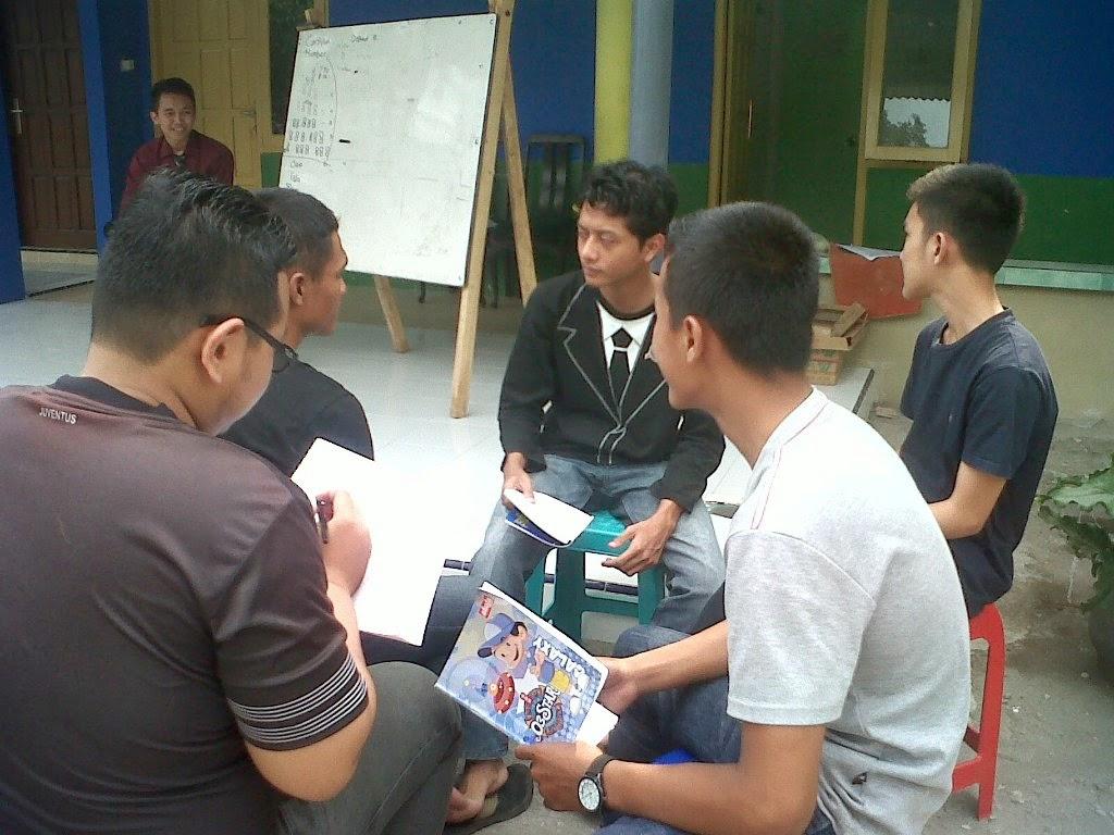 latihan speaking di VOC Kampung Inggris Pare
