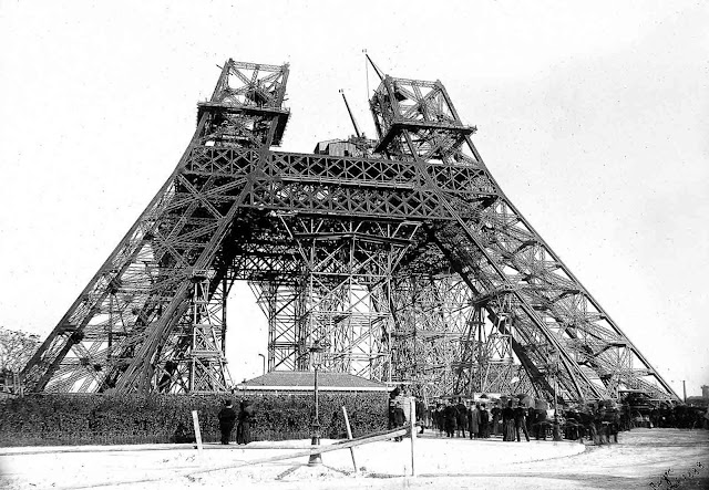 The construction started on January 1887. The proposed tower had been a subject of controversy, drawing criticism from those who did not believe it was feasible and those who objected on artistic grounds.