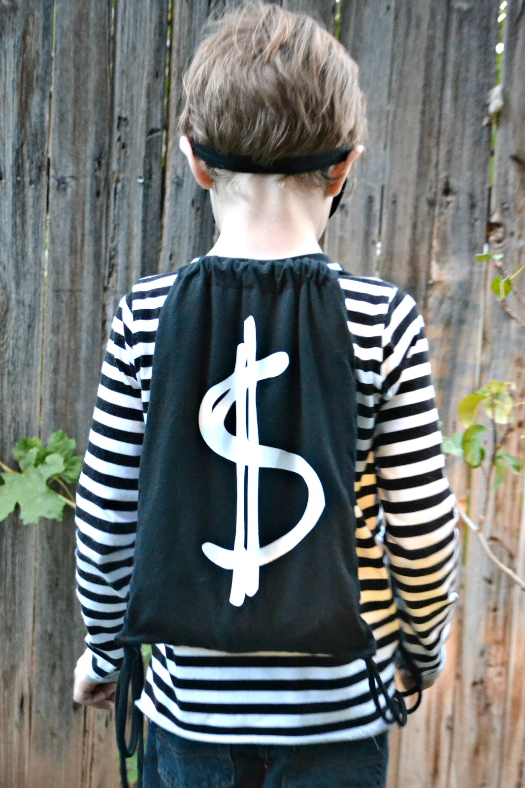 Diy Bank Robber Shirt Paisley Roots Easy Diy Halloween Costumes With Cricut