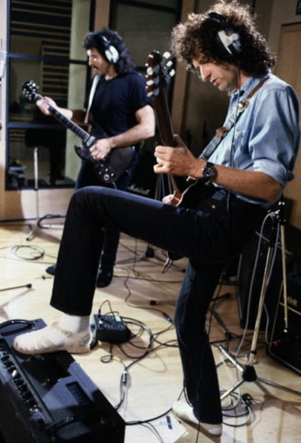 Tony Iommi & Brian May Recording A version of 'Smoke on the Water' with Ritchie Blackmore and other musicians