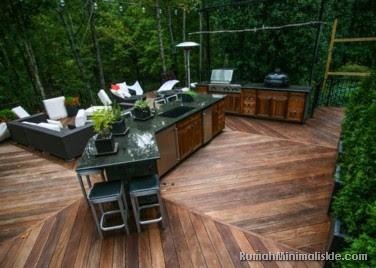 dapur outdoor menyatu dengan taman belakang