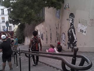 Chassé-croisé des courageux. Butte Montmartre.