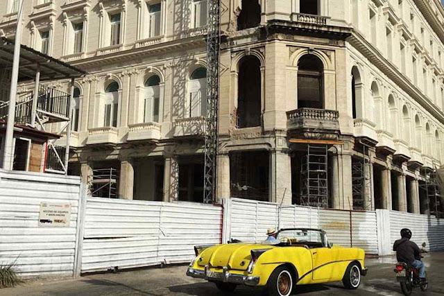 O Gran Hotel Manzana Kempinski La Habana é preparado para receber brilhantemente. Mas falham os serviços básicos: água potável, esgoto, força, Internet, etc.