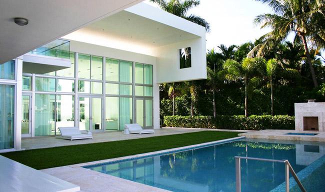 Casas minimalistas y modernas residencia moderna en miami for Casa minimalistas