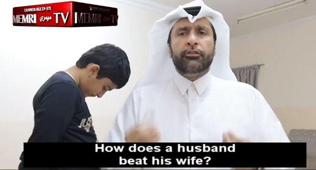 Κοινωνιολόγος στο Κατάρ εξηγεί σε βίντεο τον σωστό τρόπο για να δέρνει κανείς τη γυναίκα του