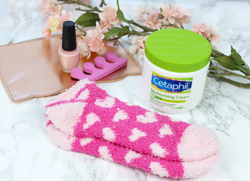 5 Minute Home Foot SPA with Cetaphil® Moisturizing Cream!