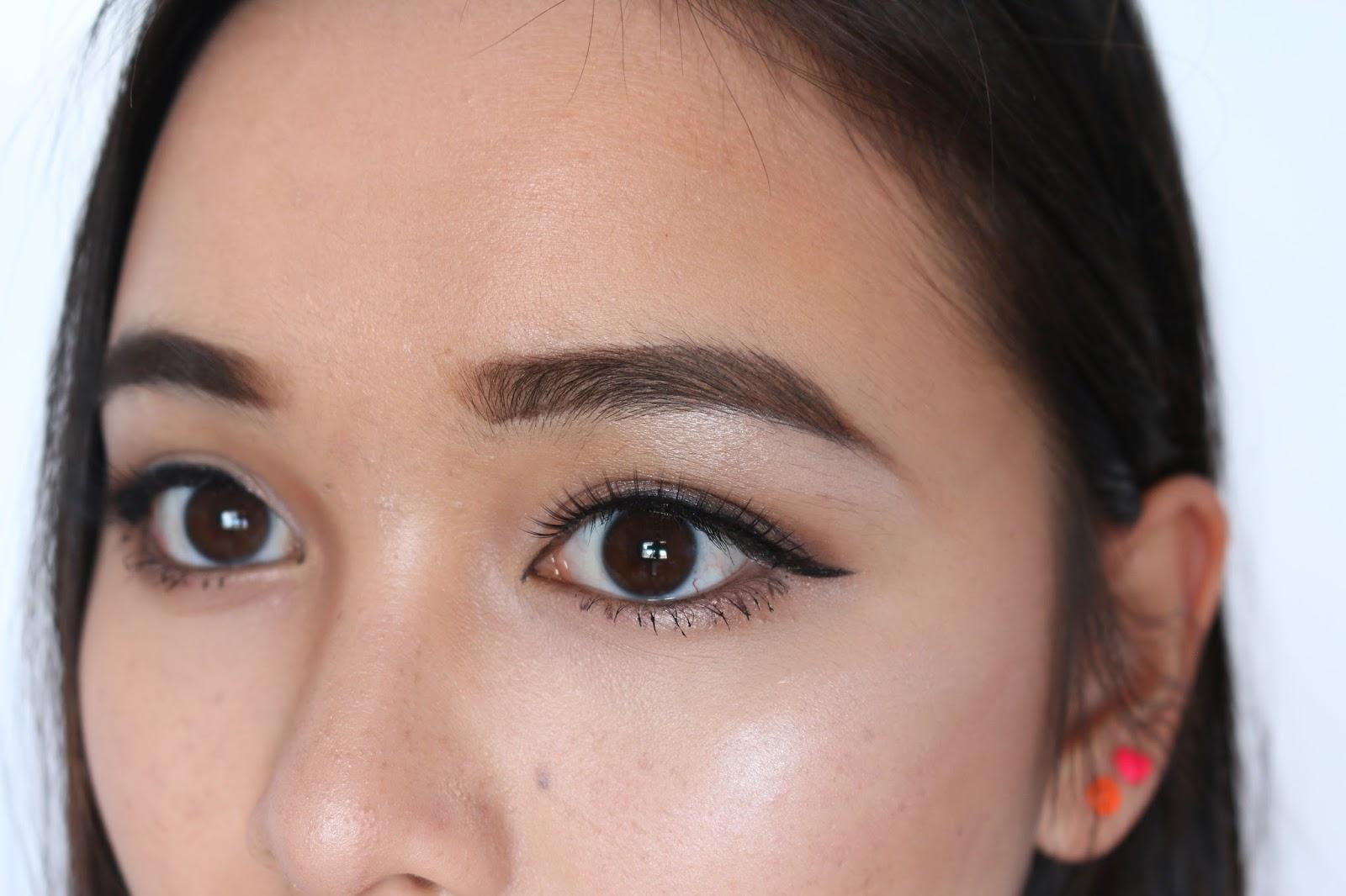 How To Apply False Eyelashes 1000hr Eyelash Review H E Y L I N N I
