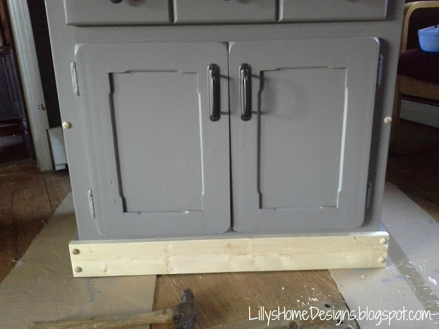 Curbside Cabinet Makeover