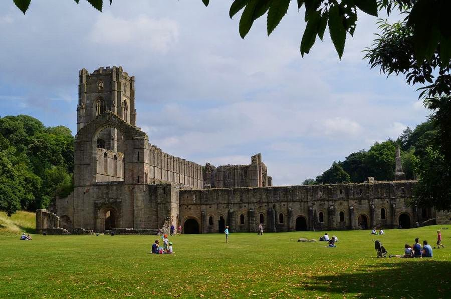 abadia fountains, fountains abbey, abadias cistercienses,cister,cister en Inglaterra, abadias inglesas, monasterios ingleses, monasterios medievales