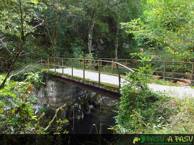 Puente sobre el Río Casaño