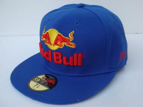 Contamos con una gran variedad de gorras de todas las marcas y cuyo precio  oscila entre los 18 y los 25 euros. 7d3df37b69c