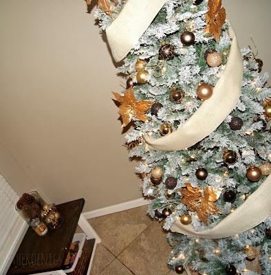 The Koenigs Create A Shanty Christmas Tree