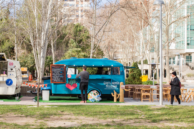 madreat-street-food-trucks-azca-madrid