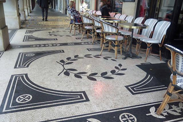 Mosaic pavements