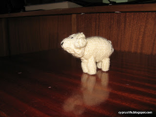 completed lamb for the Jean Greenhowe knitted nativity set
