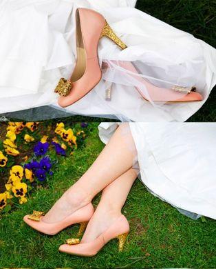 53804f3fc84abf Forme, couleur, finitions… ces e-shops vous permettent de tout choisir et  de créer votre paire de chaussures idéale pour le grand jour.