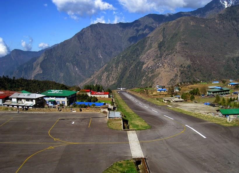 """El aeropuerto de Lukla, el """"más peligroso del mundo""""... posiblemente"""